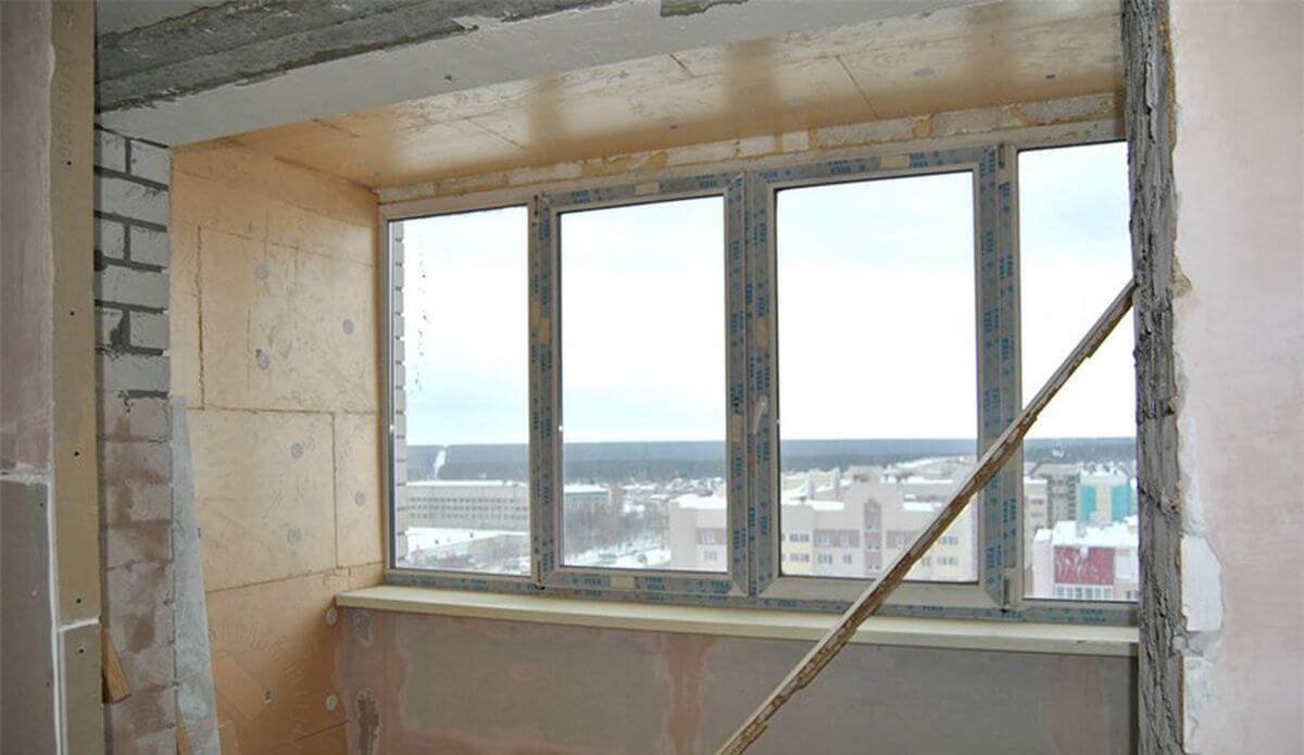 Этап расширения балкона после утепления и остекления