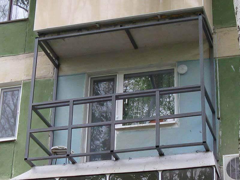 Балкон в хрущевке - ремонт, расширение, остекление.